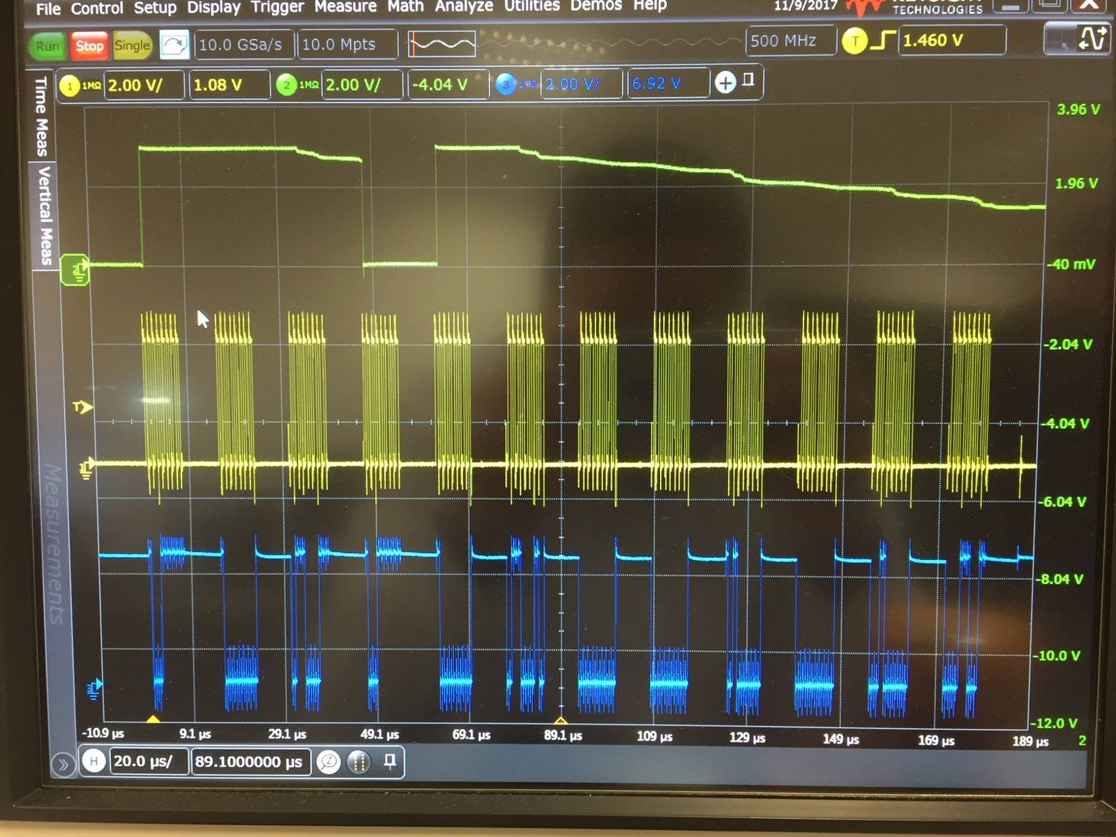 Programming Adf4106 Qa Rf And Microwave Engineerzone Screenshots Of Schematic Data Display Areas The Le Signal Is Generally At Logic High However When During A Spi Word Being Sent It Goes Stay Low Once
